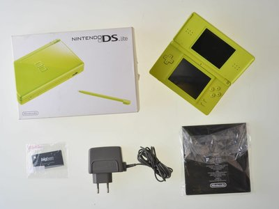 Nintendo DS Lite Lime [Complete]