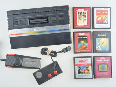 Atari 2600 Starter Pack - B